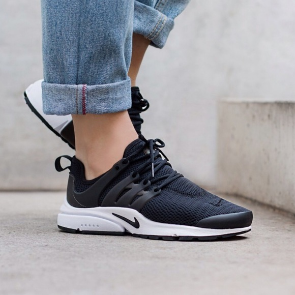 sports shoes 11886 51956 Women s Nike Air Presto Low Sneakers