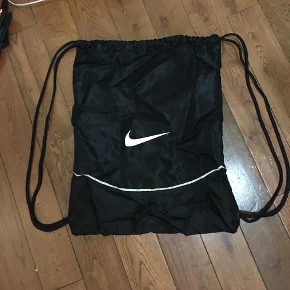 d0aa31b0c53d Nike Drawstring Bag. M 589903a5bf6df5d87a01d45b