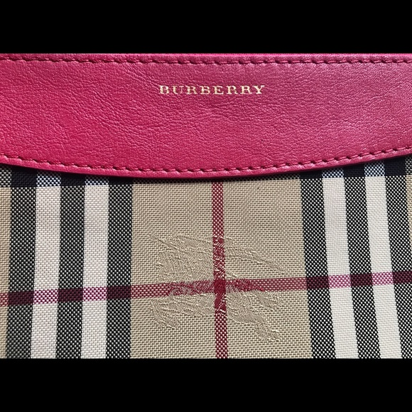 a4b259dd8605 Burberry Horseferry check and leather clutch bag