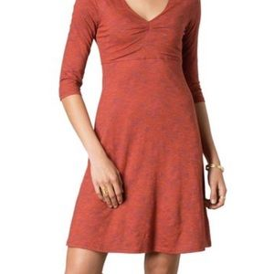 Horny Toad Dresses & Skirts - Horny Toad 3/4 length sleeve red dress