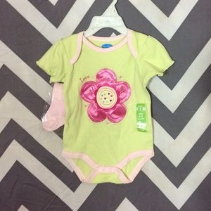 Bon Bebe Other - Flower Onesie w/ So is NWOT - 6-9 Months