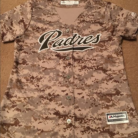 new style 70b78 b745f Women's Camo Padres Jersey (M)