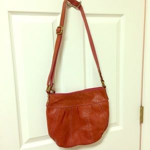 Leather Fossil shoulder bag.