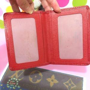 AUTHENTIC🚨 NO TRADE 🚨 LV I'D CARD CASE RED EPI