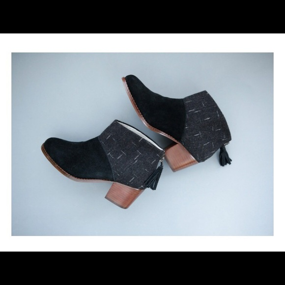 df4bbe199a3 BLACK SUEDE AND DOTTED WOOL WOMEN S LEILA BOOTIES