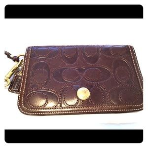 AUTHENTIC COACH BROWN LARGE FLAP WRISTLET