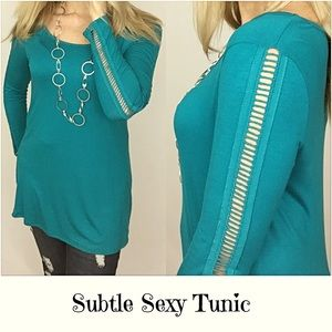 Tops - 🔴PRICEDROP🔴Cut Out Sleeve Tunic Top Teal Small