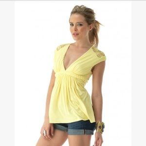 sky Tops - SKY Arethusa yellow floral lace braided top