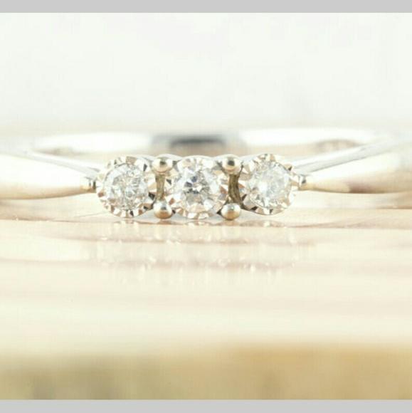 10K White Gold 3 Diamond Ring Size 7