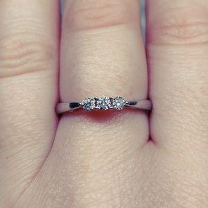 Kay Jewelers Jewelry - 10K White Gold 3 Diamond Ring Size 7