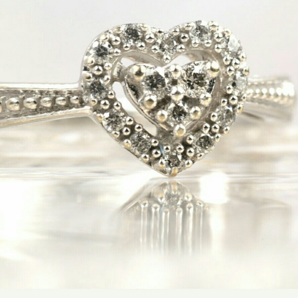 Kay Jewelers Jewelry - 10K Diamond Heart Ring Size 6.75