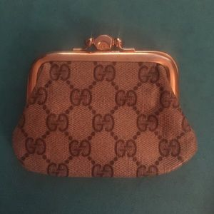 Gucci Handbags - Gucci vintage coin purse