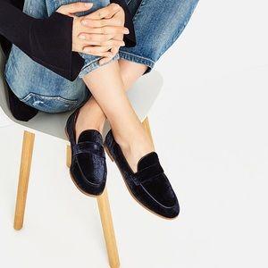 💕LAST CHANCE💕Velvet loafers