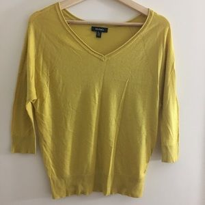 Max & Co. Sweaters - Brand new Max & Co elegant light v-neck sweater
