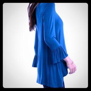 Bellino Clothing Tops - 🌟Bellino 🌟 PLUS 🌟 Teal trumpet sleeved blouse