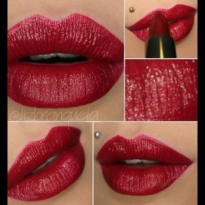 Mary Kay Creme Lipstick (REALLY RED)