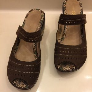 Jambu Shoes - ⚡️FLASH SALE⚡️Jambu Journey Encore Peep Toe Mule