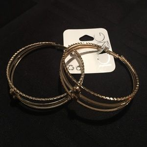 Jewelry - Triple Textured Gold and Silver Earrings NWT