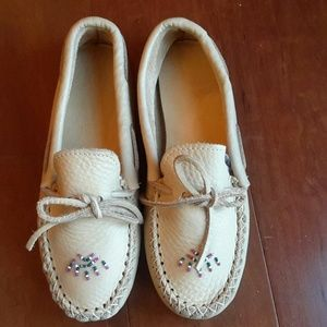 Minnetonka Shoes - All Leather Beaded Moccasins, Size 10