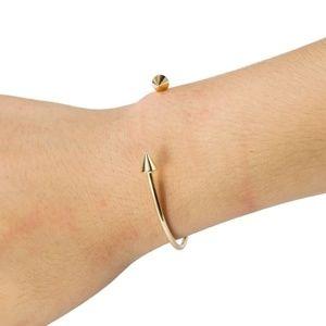 Jewelry - SALE ! Cuff Arrow