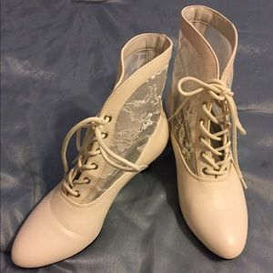 Funtasma Shoes - Ivory Lace Victorian Boots.  Size 5