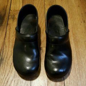 Dansko Shoes - Sanitas clogs size 40