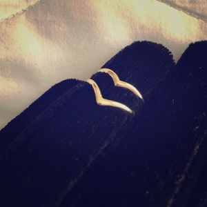 Jewelry - Double V Ring