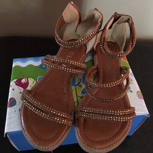 Link Other - Size 13 tan sandal