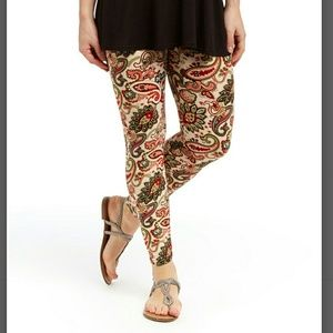 Pants - SALE🔴(S/M & L/XL) Cream & Red Paisley Leggings