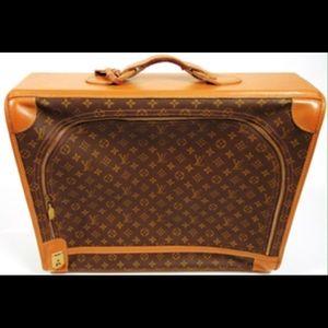 Louis Vuitton Handbags - Authentic Louis Vuitton luggage suitcase