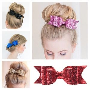 CLEARANCE GLITTER BOWS- BRAND NEW IN PKG❤️