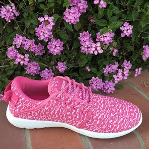 shoeroom21 boutique Shoes - Ladies Lace up canvas running sneakers. Pink. NIB