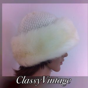 Vintage Accessories - Warm and elegant faux fur knit hat