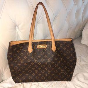 Louis Vuitton Handbags - LOUIS VUITTON handbag!!! Still have bag & box!