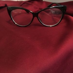 Accessories - Cat eye style glasses