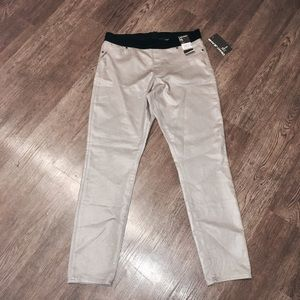 DKNY Pants - 🔅NWT DKNY Jeggings🔅W/FREE GIFTS!🔅😍🎁👏🏼