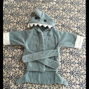 Baby Aspen Other - Baby Aspen infant 👶 shark hoodie robe bath towel