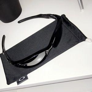 Sport Oakley's sunglasses