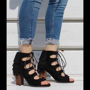 shoeroom21 boutique Shoes - Ladies peep toe high top back fringe sandal. Black