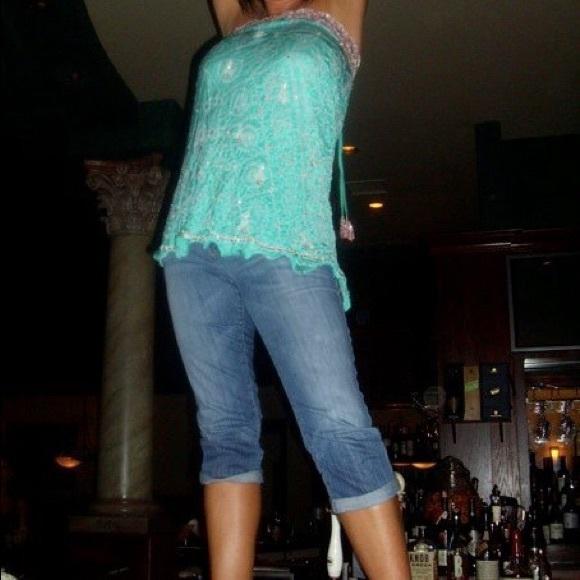 Joe's Jeans Denim - Joes Honey Capris. Size 30