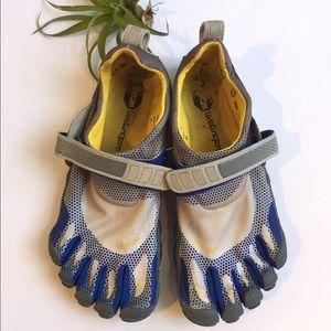 Vibram Shoes - Vibram 5 Fingers Shoes Size 40