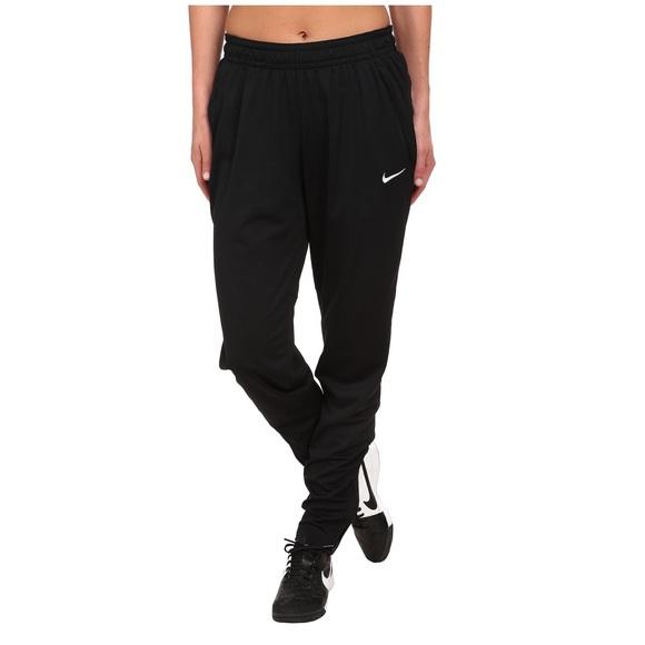 ec0969fb0d92 Nike Women's Academy Soccer Pants. M_589a5f959c6fcfef1700257f