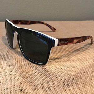 Von Zipper Accessories - NWOT von zipper sunglasses