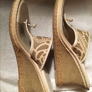 Nurture by Lamaze Shoes - Nurture, Wedge sandals! 👒 Oatmeal and white