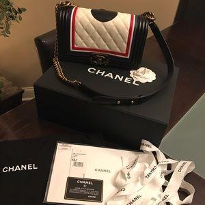 CHANEL Handbags - 🇺🇸CHANEL Old Medium Le Boy Bag🇺🇸