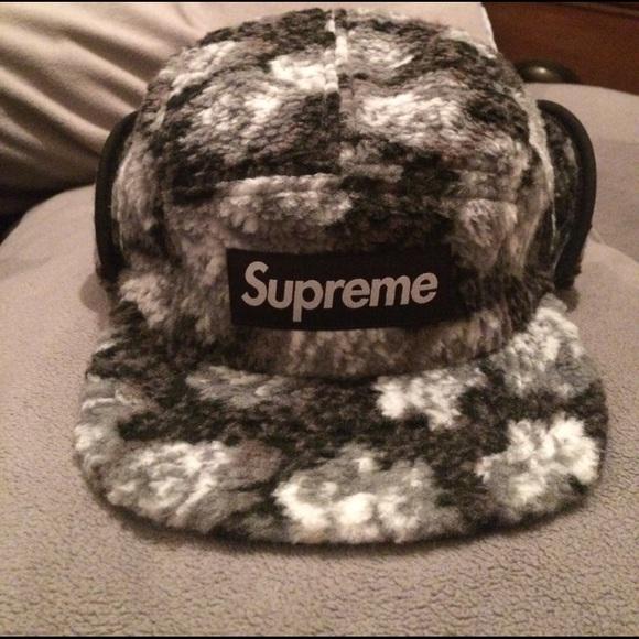 6d16a432ca1 Roses Sherpa fleece ear flap supreme hat. M 589a76b0f09282ef1600a76b