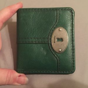 Green Fossil Leather Wallet - Like New