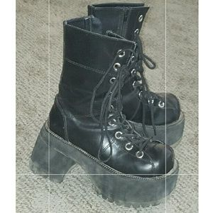 Demonia Shoes - Demonia Ranger boots size 7 (more like 6.5)