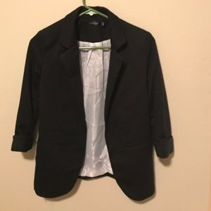 Fitted 3/4 sleeve Blazer