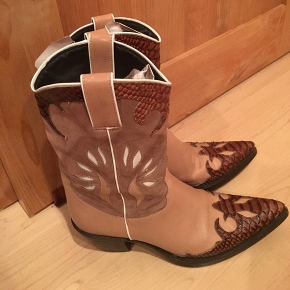 f3ed2e8815f ViC Matie Cowboy Boots